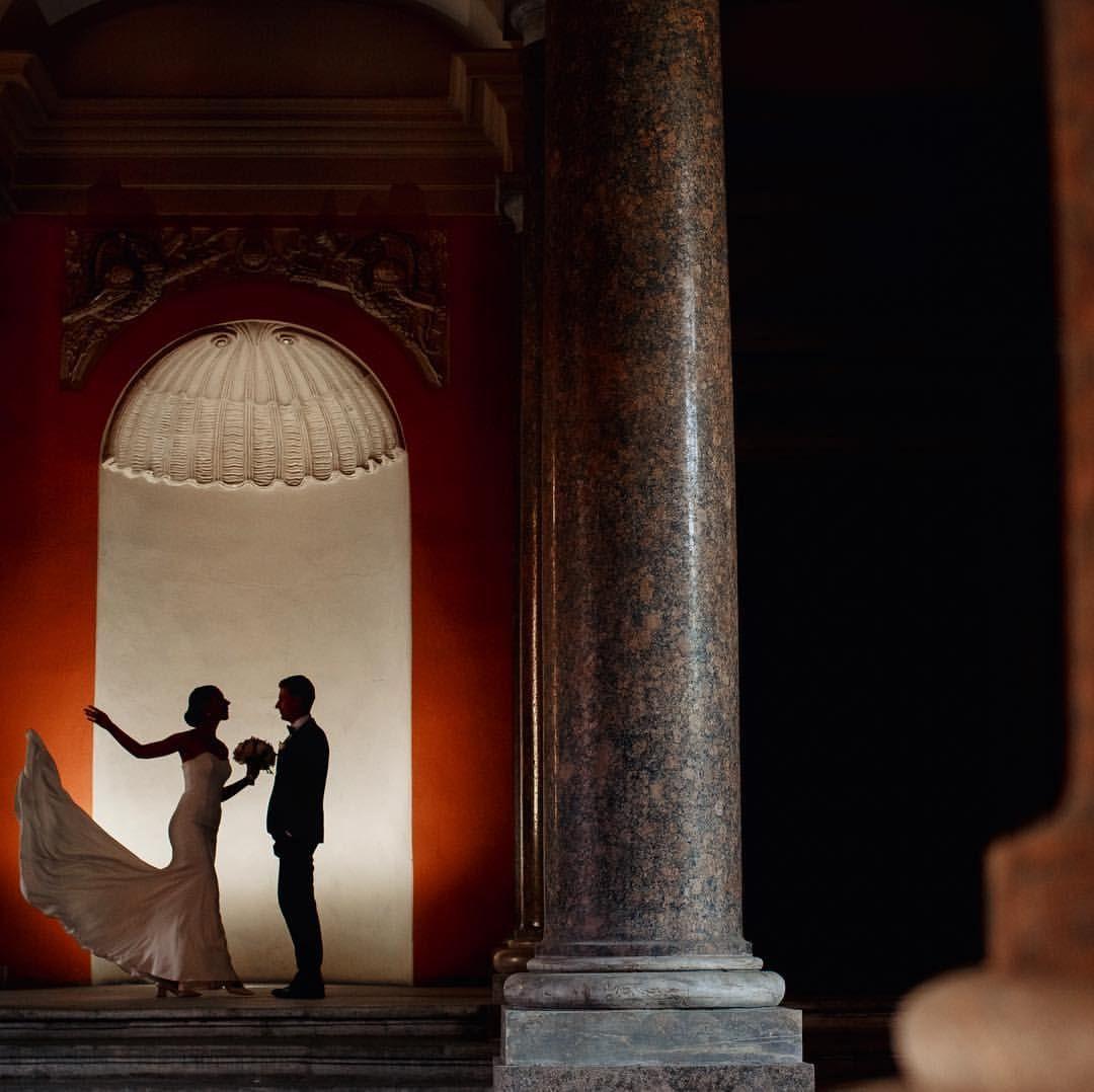 """Mi piace"": 144, commenti: 3 - WEDDING PHOTOGRAPHER (@annapeklova) su Instagram: ""Вчера у меня была красивые Наталья и Владимир💗 #weddingdress #weddingday #weddingdetails…"""