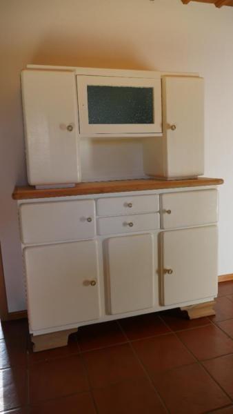 Wir verkaufen ein liebevoll restauriertes Küchen Buffet aus den 50er ...