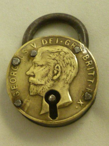 how to pick a lock old furniture