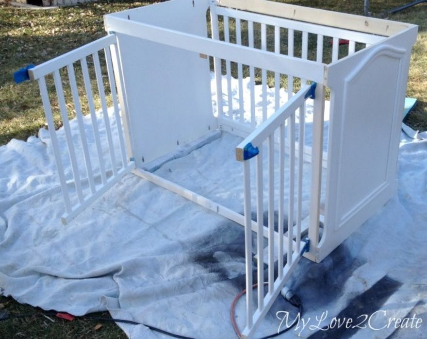Mom Found An Old Crib On Craigslist But Wait Until You See What She Turns It Into Diy Dog Crate Dog Crate Dog Crate Furniture