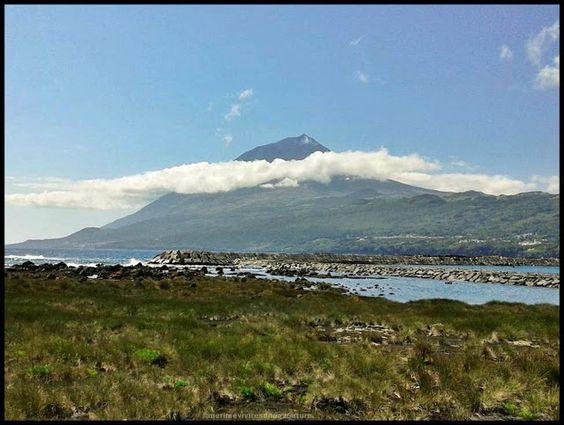 """Pico... """"la isla gris de Azores"""" - via Merime 12.08.2015   La isla esta coronada por el pico del """"volcán de Pico"""", con sus 2351 m es el punto mas alto de Portugal. #azores #portugal #viajes #turismo"""