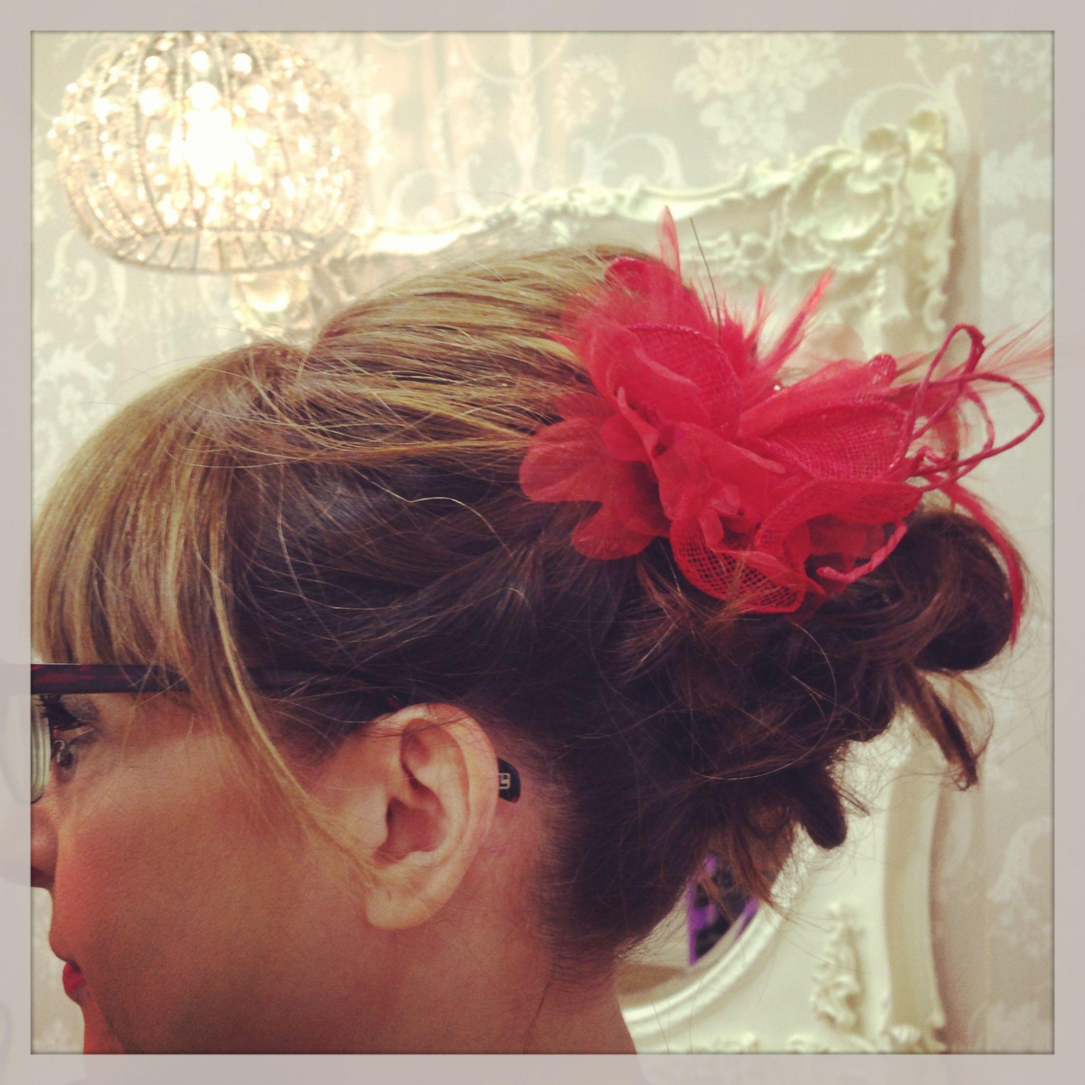 Recogido chuli chuli!! Eva Pellejero Expertas en Novias!!! Eva Pellejero Beauty Salon, Sanclemente 7-9, 50001 Zaragoza Telf.976795152 #novias #beauty #beautysalon #evapellejero