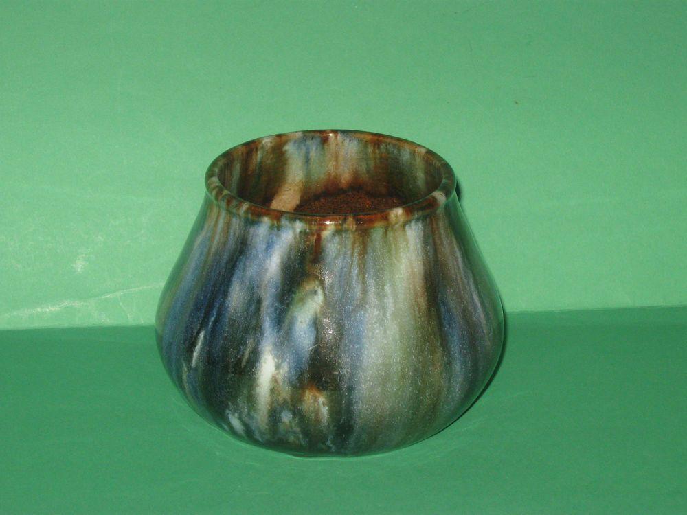 "9.5cm x 13.5cm "" John Campbell Pottery  ""  Tasmania  Pot Vase - Unusual Color & Signed 1934"