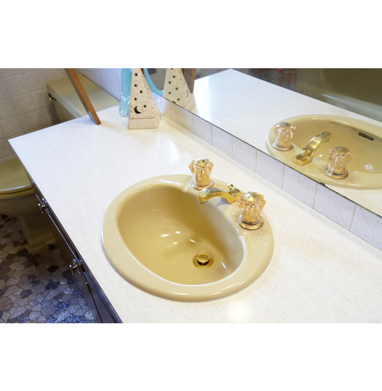 BEFORE: The Schroeder family had been putting off a #bathroomremodel for years, but when the sinks started leaking they decided it was finally time.