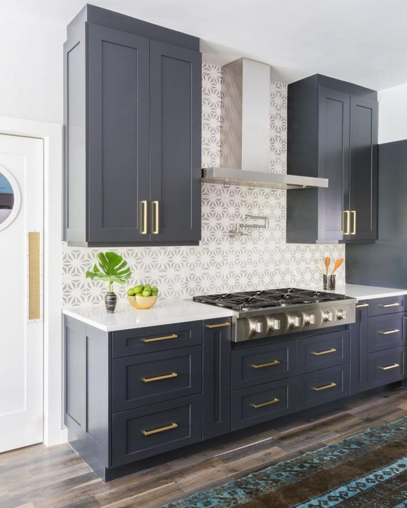 15 standout kitchen cabinet color ideas
