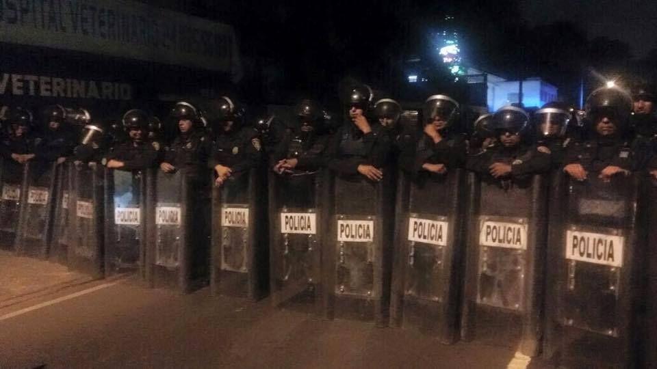 ¡¡¡DIFUNDAN ENCAPSULAN A VECINOS DE LOS PEDREGALES!!!