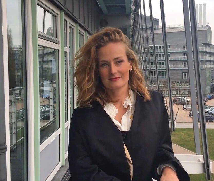 Durfen Chefs Nach Kindern Fragen Muss Die Elternzeit In Den Lebenslauf Juristin Nina Strassner Erklart Bewerbungstipps Bewerbungsgesprach Vorstellungsgesprach