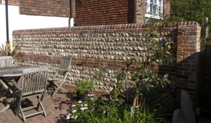 Flint wall work, build, rebuild, repointing, sussex, south ...