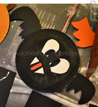 bricolage halloween chauve souris assiette carton diy. Black Bedroom Furniture Sets. Home Design Ideas