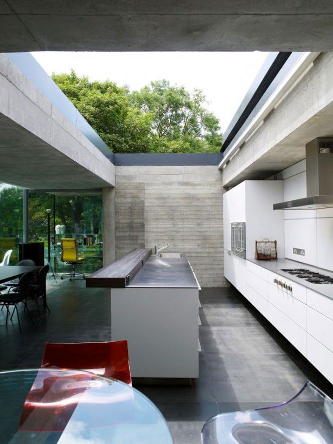 Open air kitchen at the graveyard house by eldridge smerin architects there must be a retractable skylight here what a brilliant idea