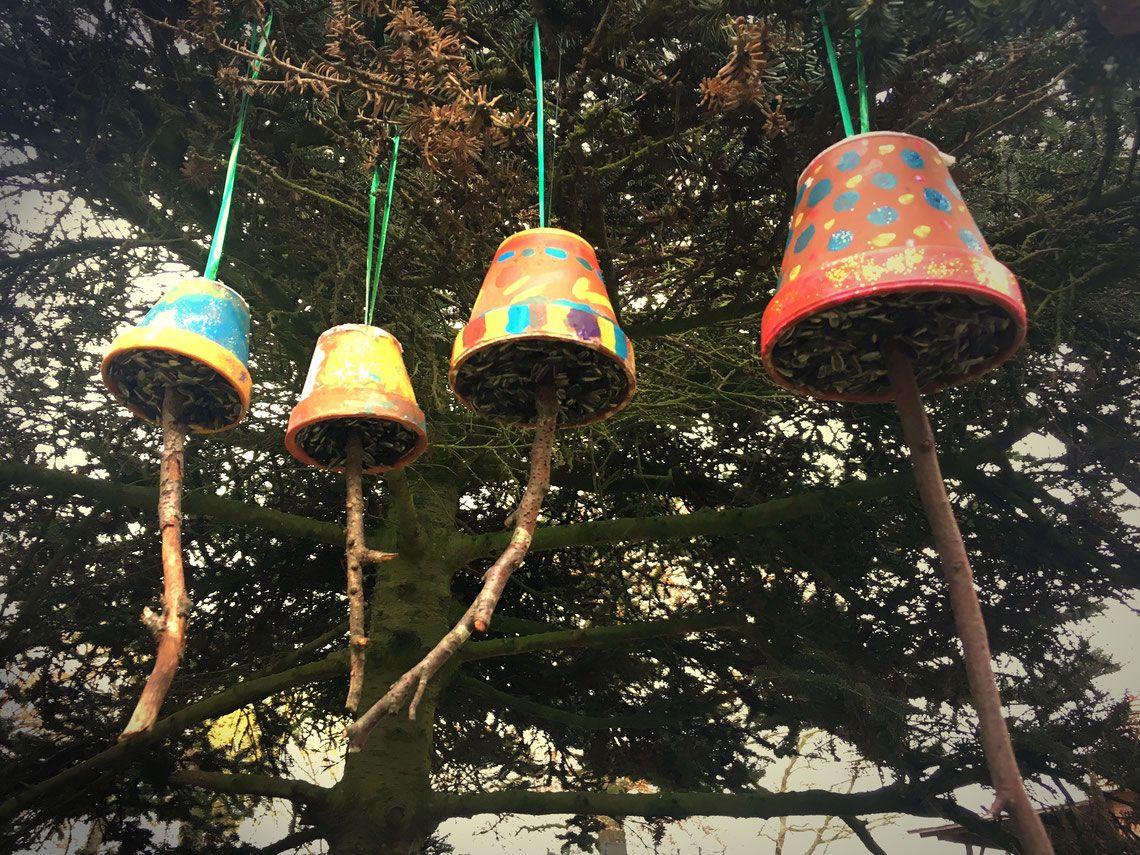Photo of Essensglocken. Für Vögel. Tolle Bastelkampagne für die ganze Familie.