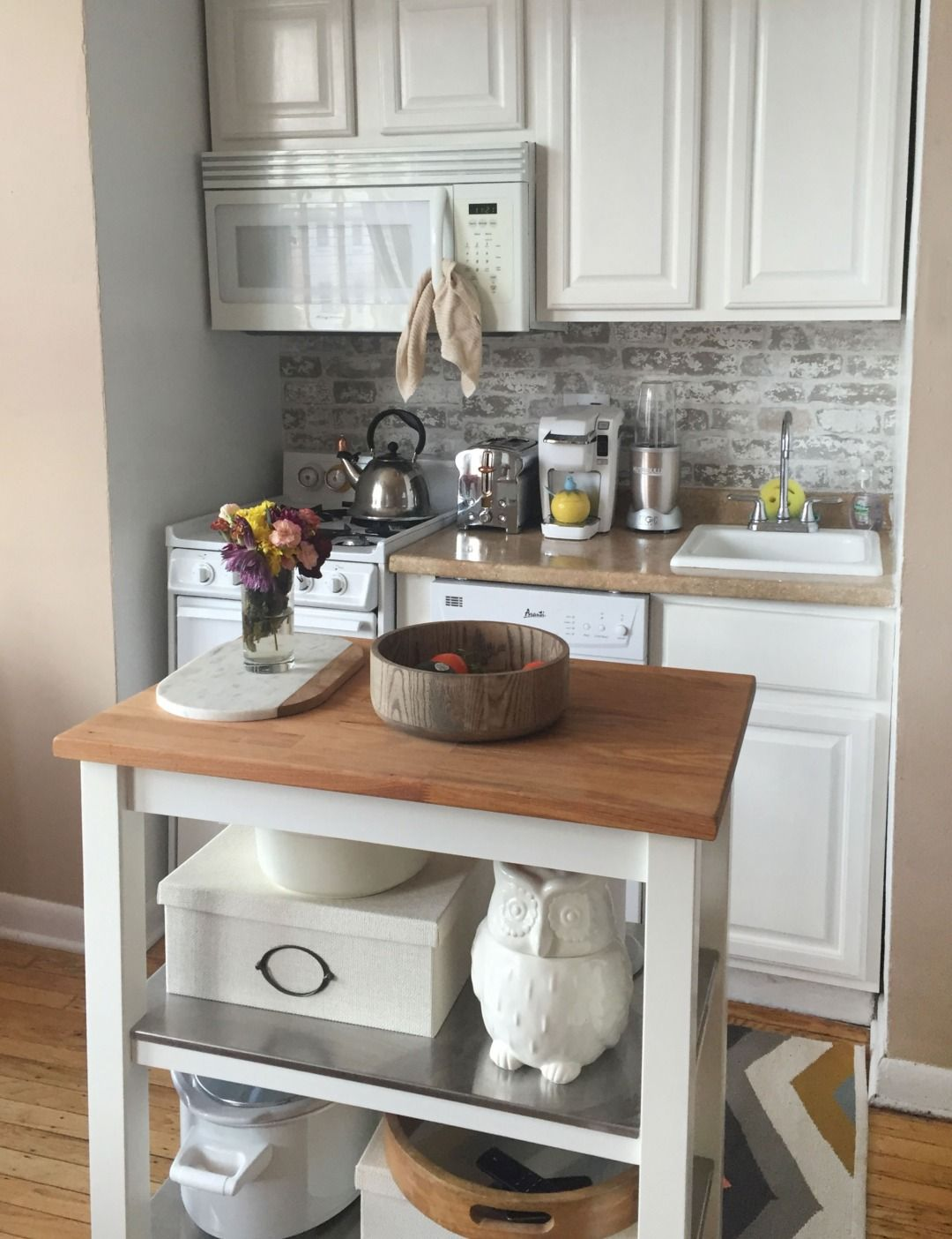 Before & After: A Teeny Kitchen is Transformed on a Tiny Budget ...