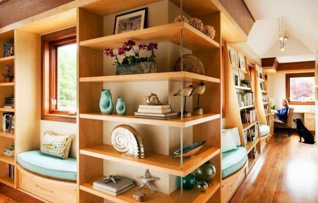 Original Shleves And Decoration Ideas European Touches In Modern Interior Design In 2020 Corner Wall Shelves Corner Shelf Design Contemporary Hallway