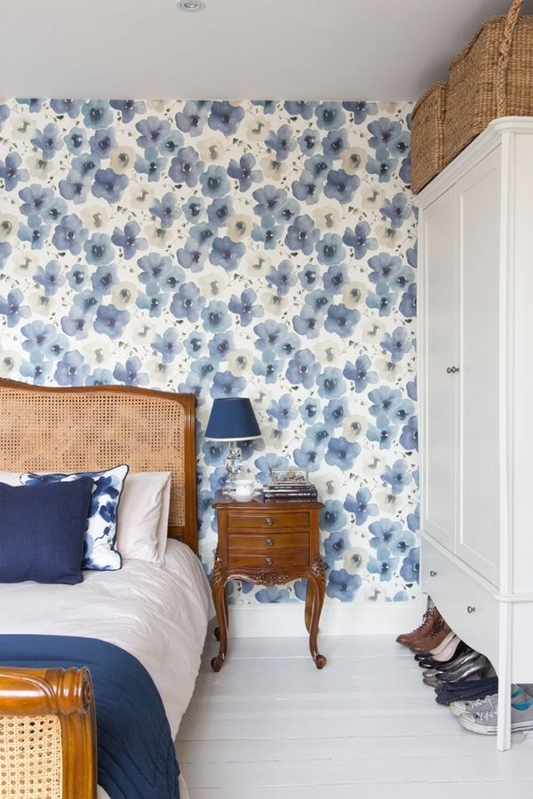 sanderson wallpaper blue white colors stylish bedroom decor accent wall ideas