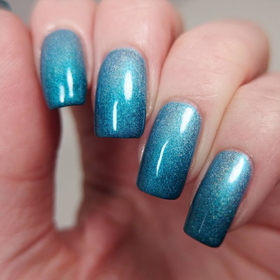 Gradient Glitter Nail Art Blue Nail Designs Pinterest Nail Art