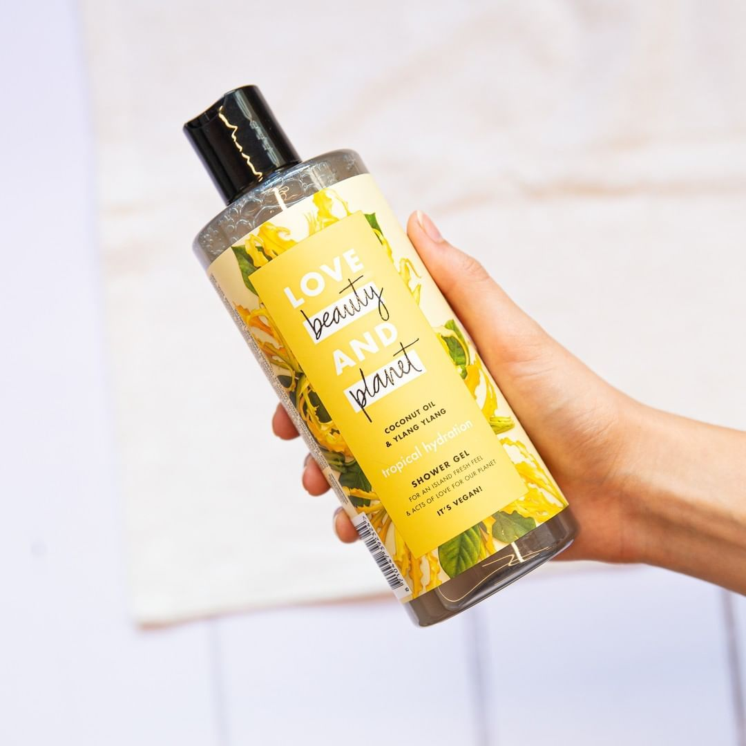 Take A Brief Tropical Break With This Vegan Shower Gel Shower