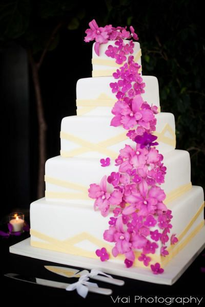 Amy Beck Cake Design Chicago Il 5 Tier Fondant Wedding With Natural