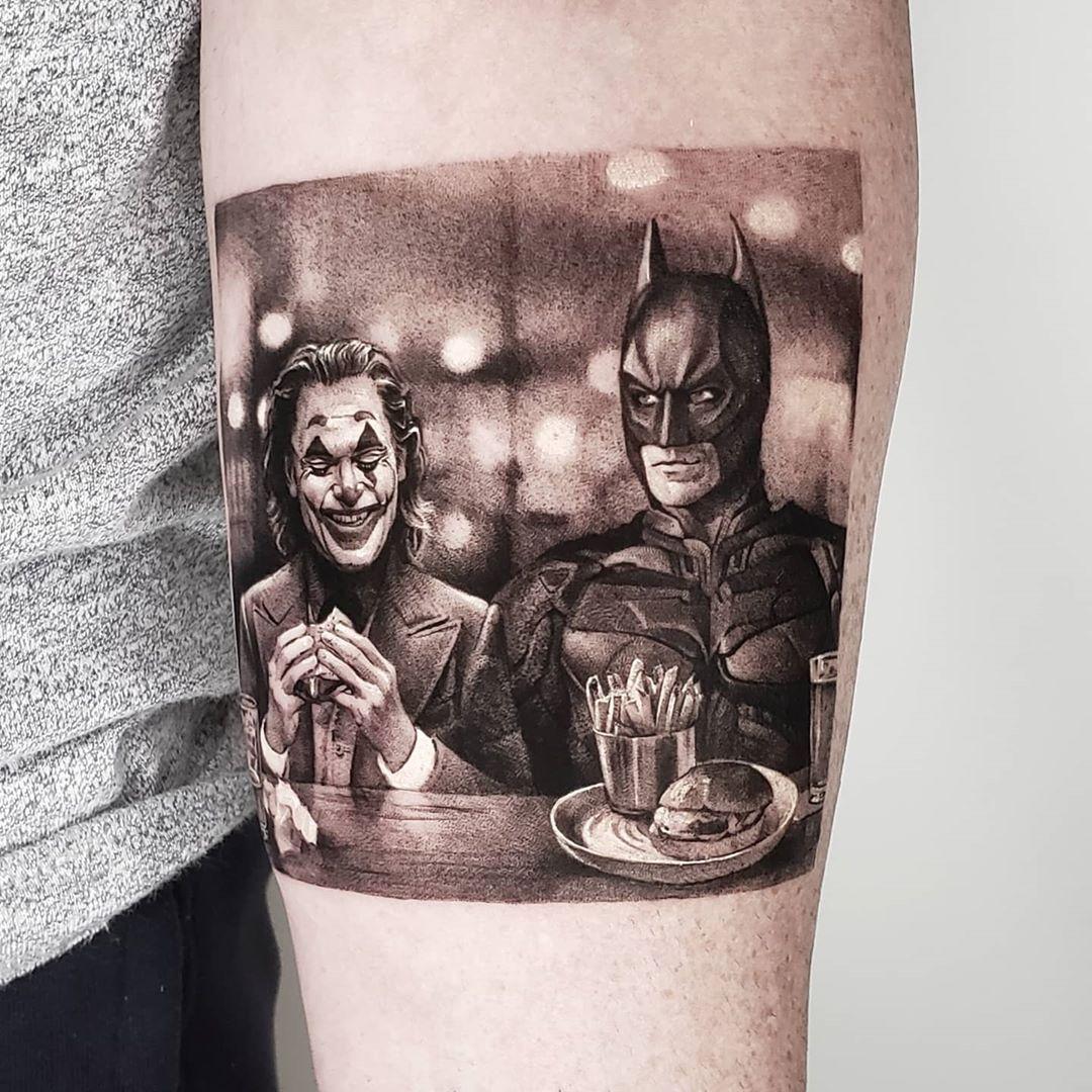 "Zlata Kolomoyskaya on Instagram: ""Burger with an old friend  8h 🍔🍻🍔  #batman #joker #movie #classic #comics #taot #tattoo #tattoodesign #ttblackink  #rad #instaart #instaink…"""