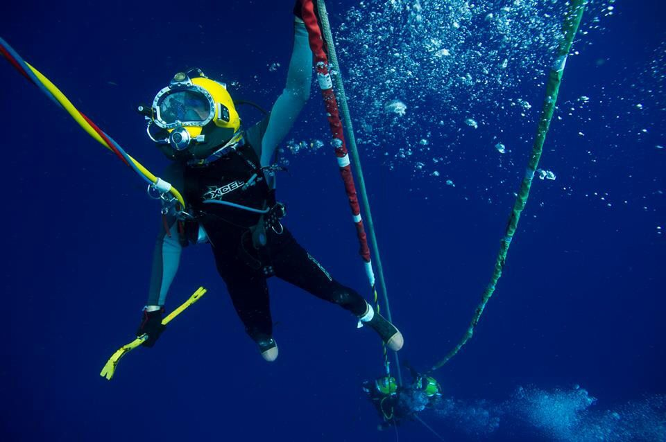 Navy diver posted by patrick stethem navy seabee divers