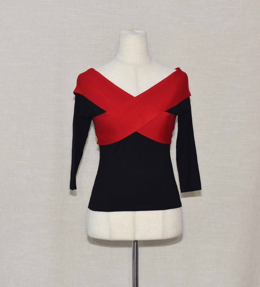 Nwt modcloth simplistic authenticity knit top blackred sleeve
