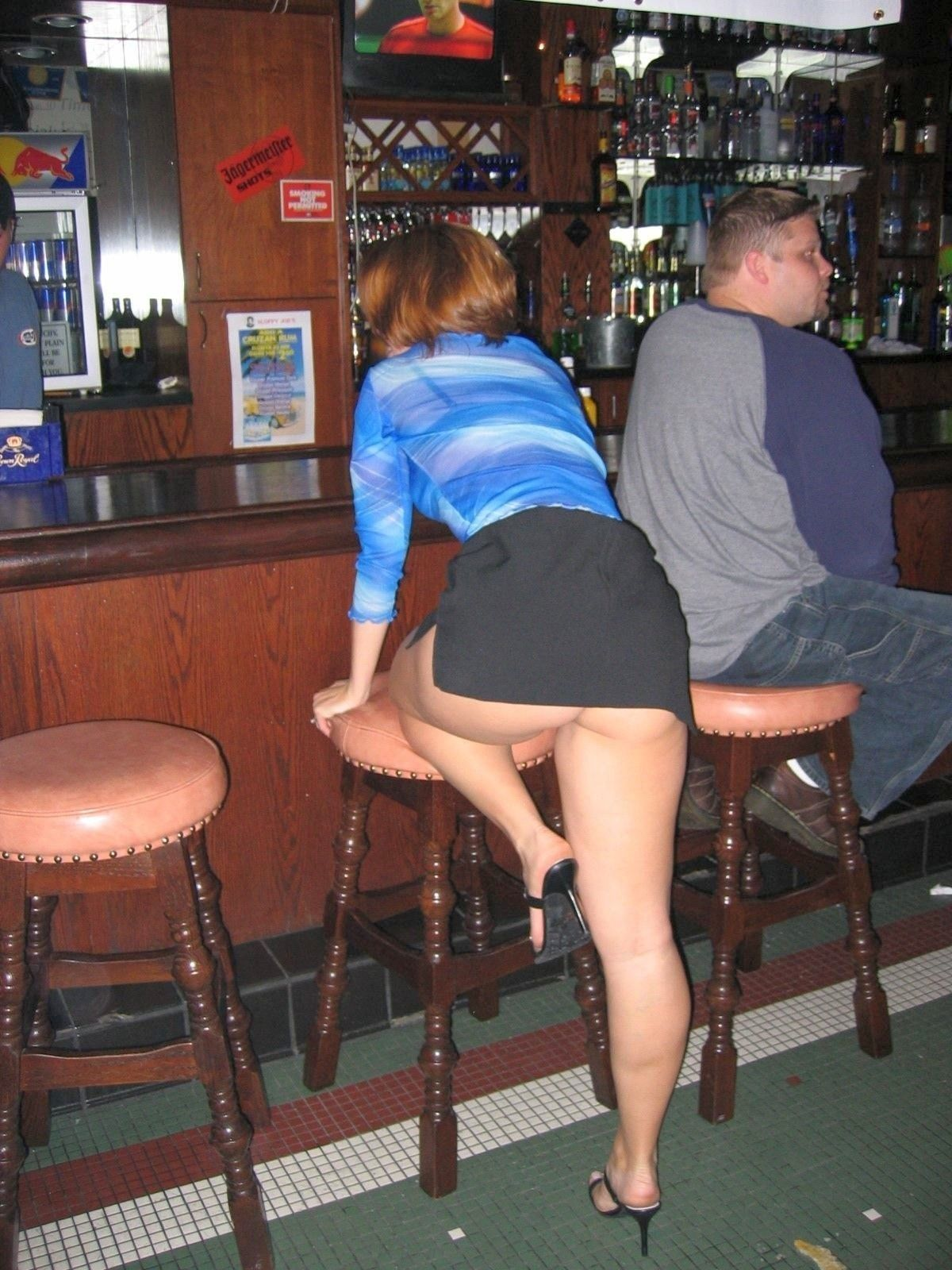 milf upskirt in bar | hot mature ladies, milfs and gilfs | pinterest