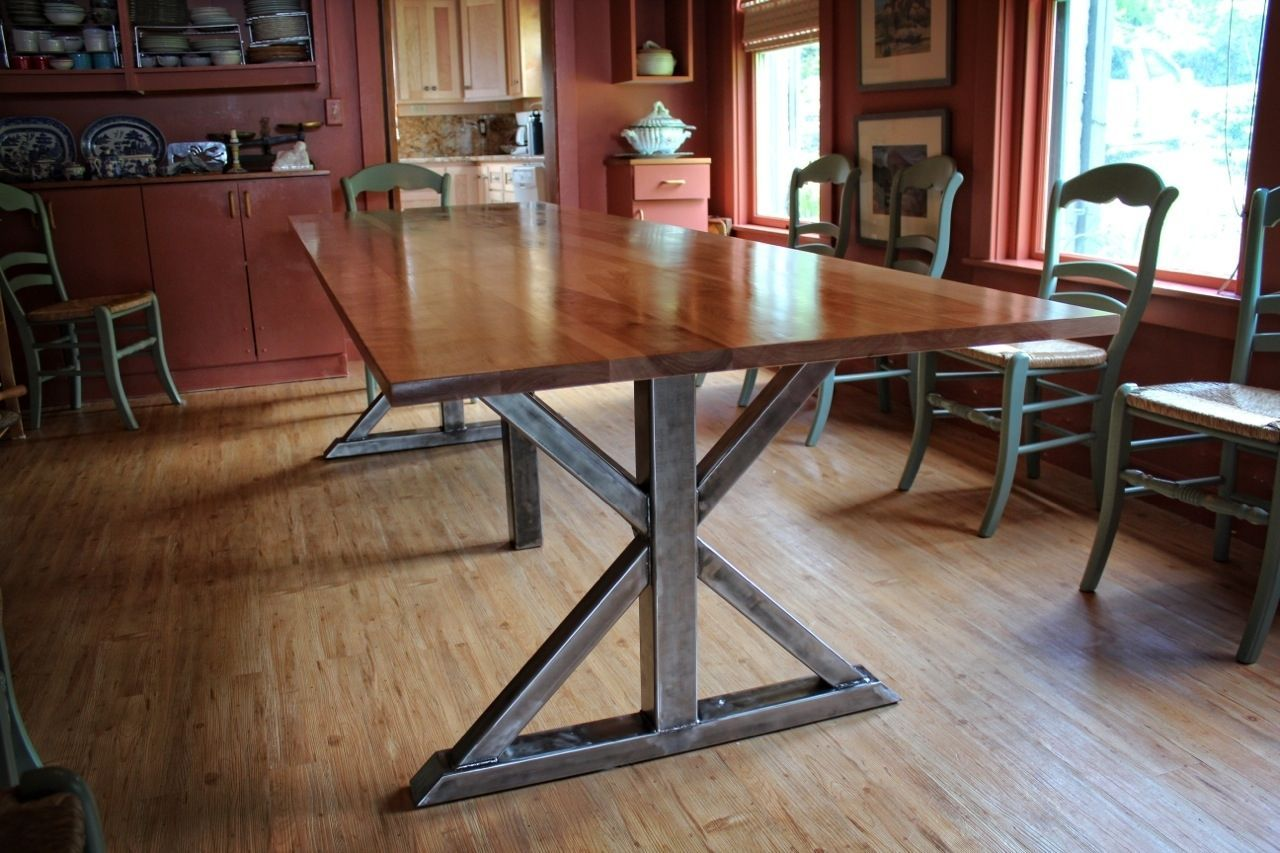 Custom made birch and steel trestle dining table idée déco
