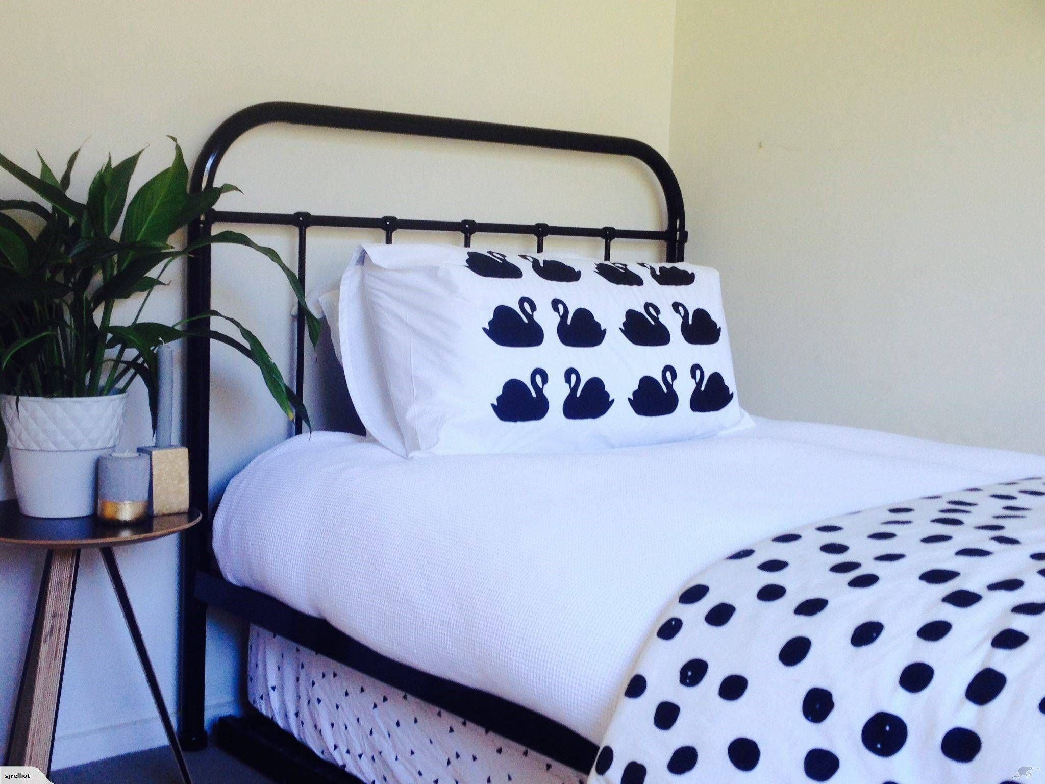 Small Space Bedroom in 2020 Iron metal bed