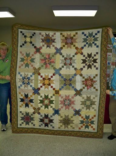 I Designed A Mystery Quilt Pattern For My Guild This Is My Version Of The Mystery Quilt It Is One Of My Favourite Mystery Quilt Patterns Quilts Mystery Quilt