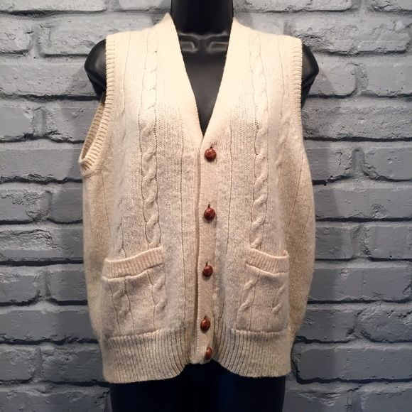 Vintage Bachrach Sweater vest Very high quality. Adorable leather ...