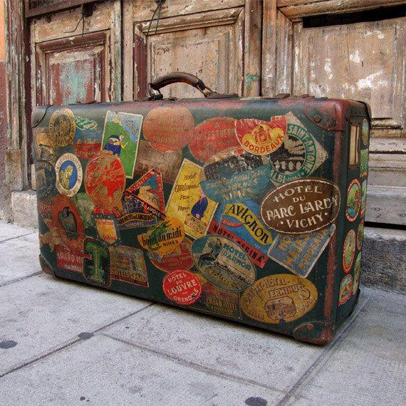 stunning antique suitcase valise vintage french. Black Bedroom Furniture Sets. Home Design Ideas
