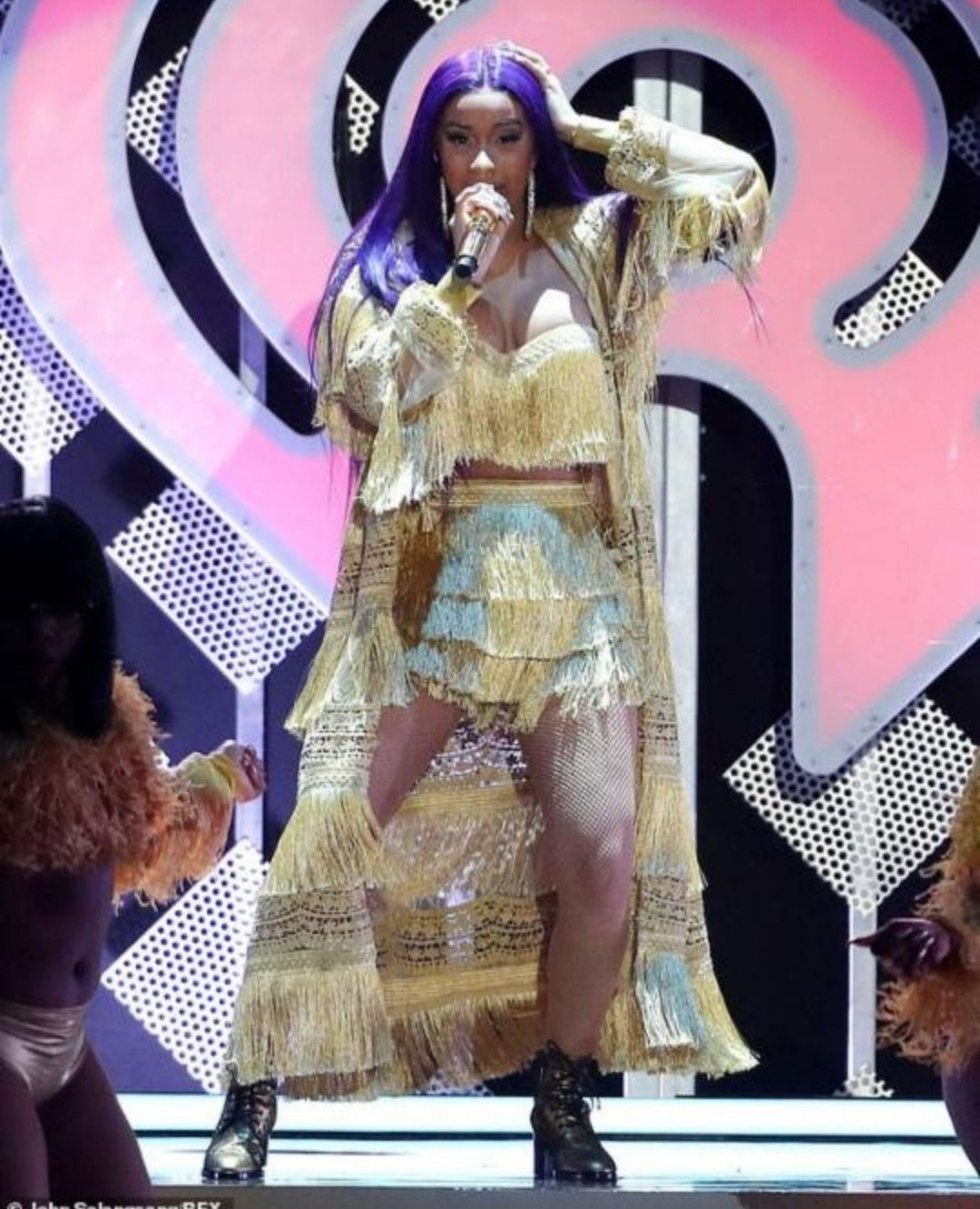 Cardi B Flaunts 6 Pack Abs In Instagram Video Watch Clip: Pin By Jamilah On Cardi B
