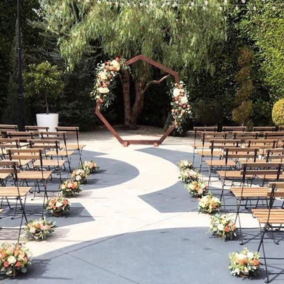 Oak Arbor Reception: Geometric Wedding Arch // Heptagon Wedding Backdrop