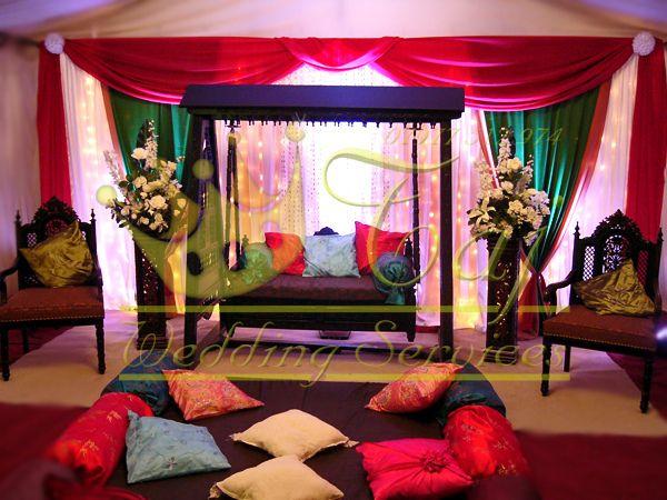 Beautiful Mehndi Stage Jhoola