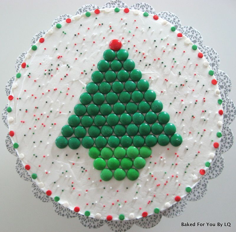 How To Decorate A Mu0027s Christmas Tree Cake