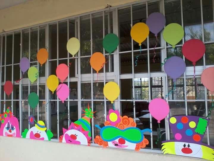 Payasos peri dicos murales pinterest la ni a for Decoracion en pared para ninos