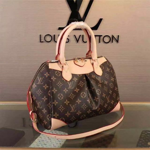 LV Speedy Handbag With Adjustable Shoulder Strap Size