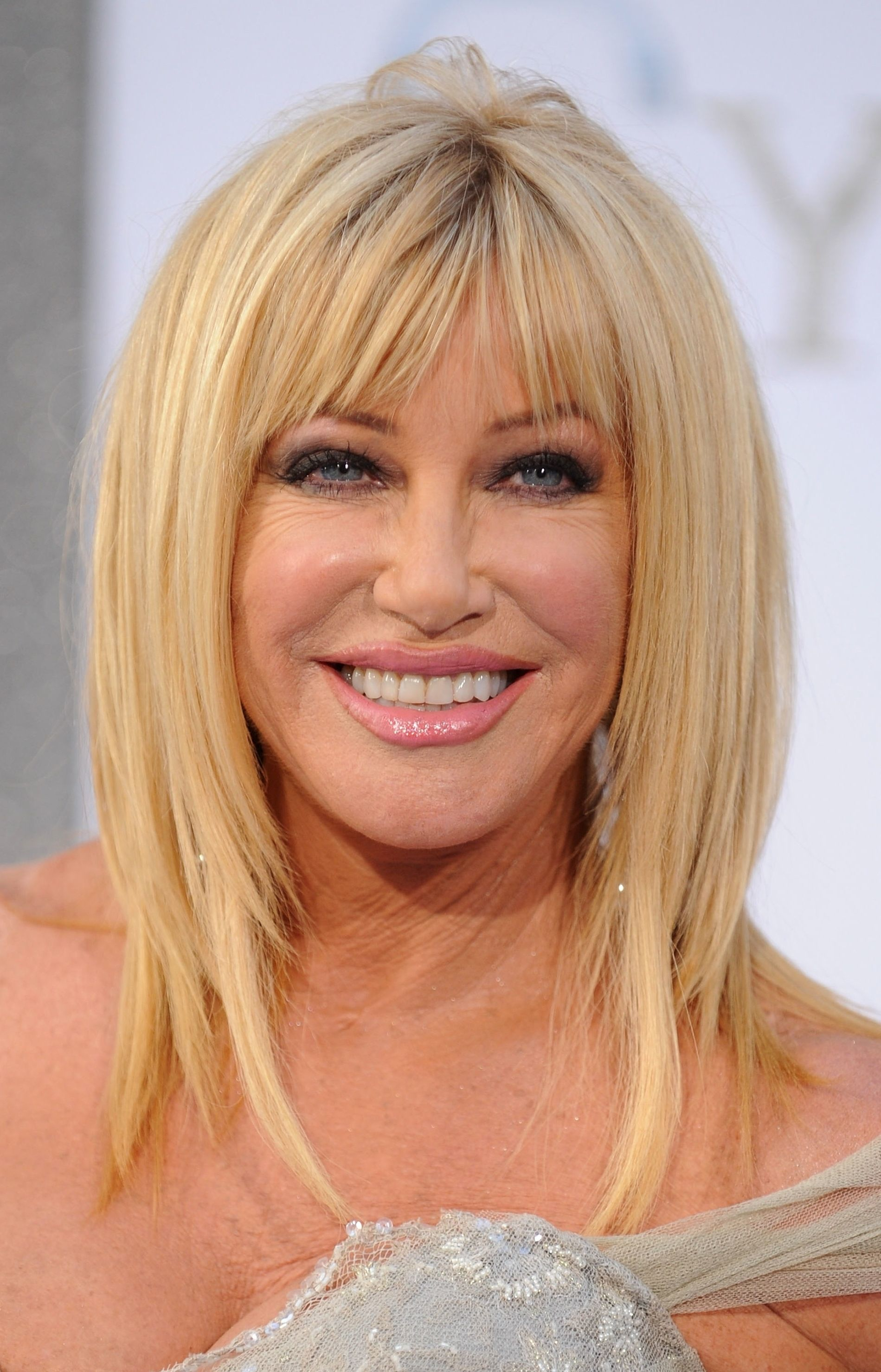 Hairstyles For Older Women With Long Faces Hairstyles For Older Women With Long Faces Hairs Long Face Hairstyles Medium Length Hair Styles Long Hair With Bangs