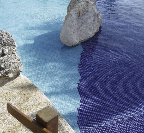 Gresite de piscina azul niebla 3002 y gresite azul celeste for Gresite piscina