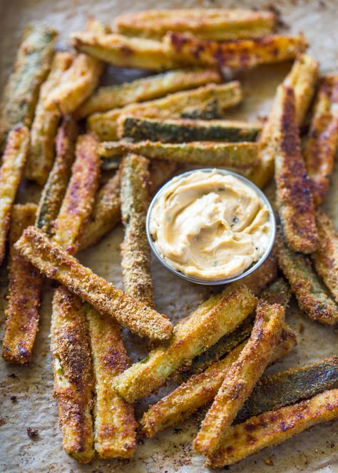 The Best Crispy Baked Zucchini Fries is part of Zucchini fries - Thinly sliced zucchini dusted in breadcrumbs and baked until crispy and golden is a great alternative to potato fries with less than half the carbs and calories! As many of you have noticed from my