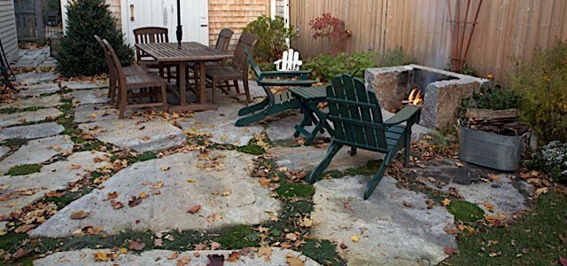 New England fieldstone patio | Irregular shaped paving ...