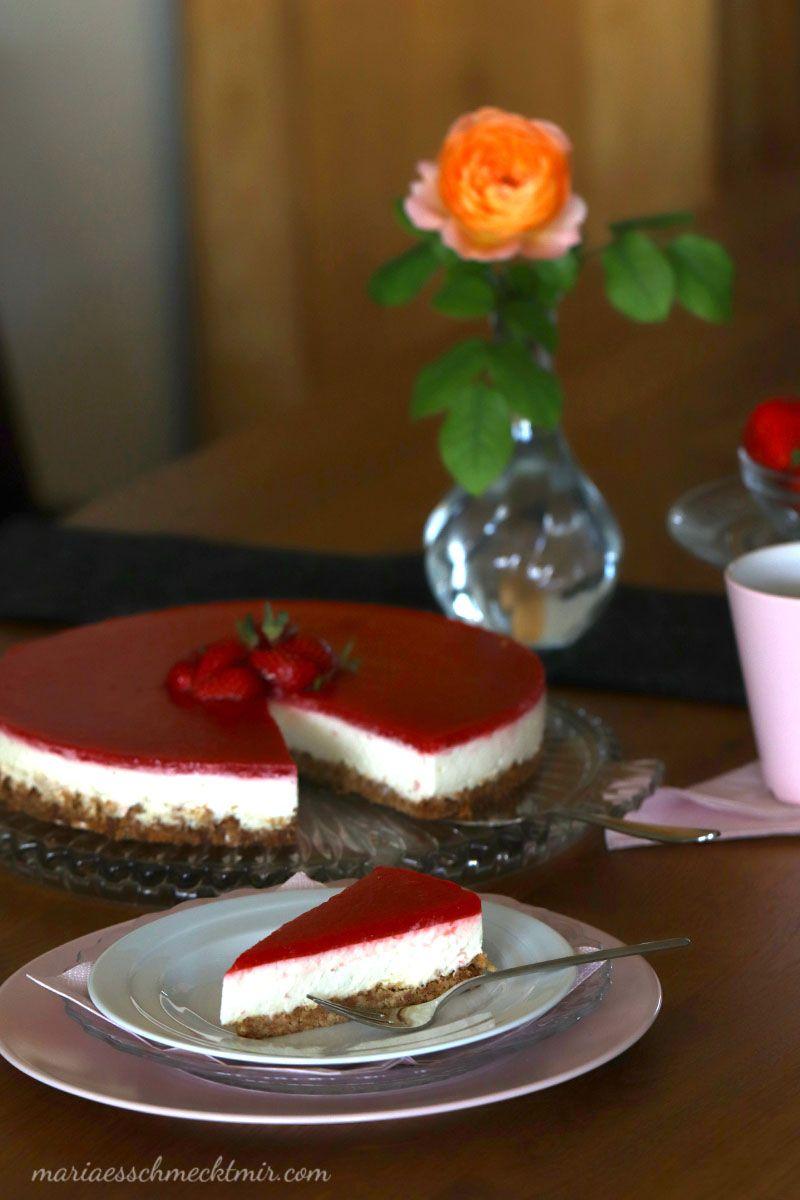 American Cheesecake mit Erdbeertopping ohne Backen — Maria, es schmeckt mir!