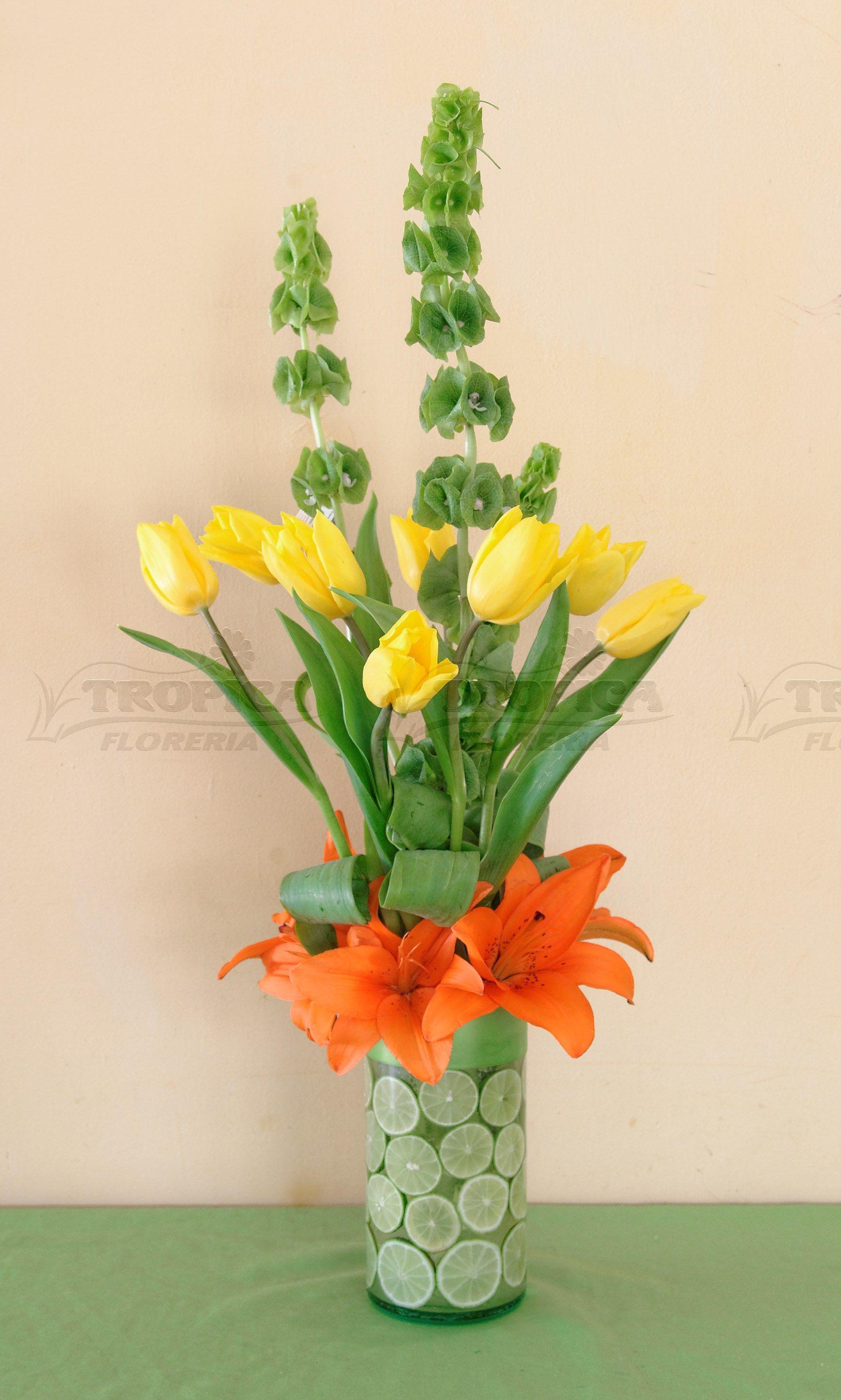 Vase Arrangements, Flower Arrangement, Flower Bouquets, Ikebana, Floral Design, Hello