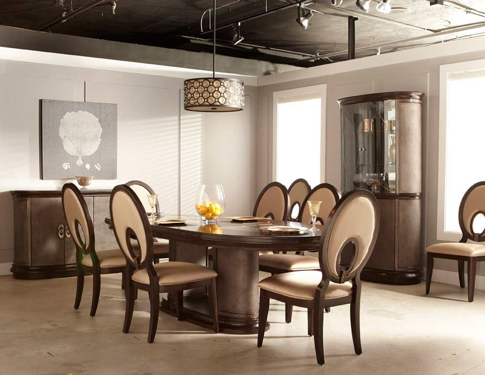 Bon A Classic Dining Room Relies On Choosing Simple, Well Made Items Of Dining  Room Furniture, Such As Sideboards And Console.