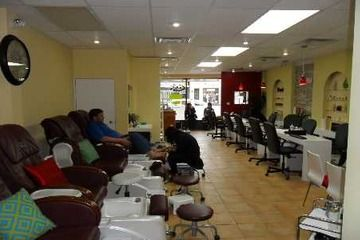 Business For Sale 1930 Avenue Rd Toronto Bedford Park Successful Nail Salon Spa 29 000 For More Information Nail Salon And Spa Spa Salon Nail Salon
