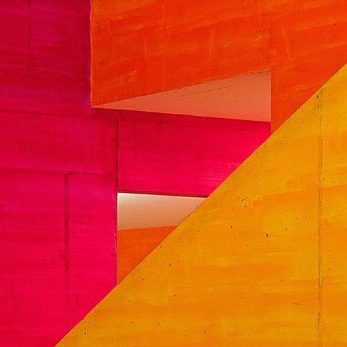 red/yellow /Source:Flickr / muzuto