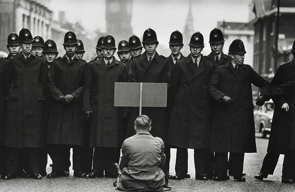 Don McCullin Photographie, Gilles caron et Photographie