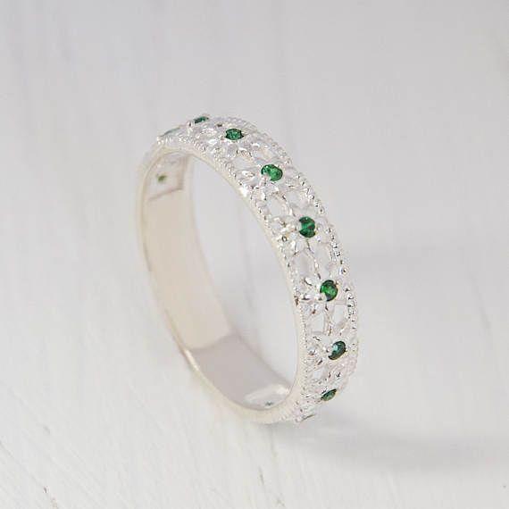 Emerald Ring Silver Wedding Band Emerald Wedding Ring Women Silver Band Fine Band Ring Modern Band Thin Band Ring Green Stone Ring Silver Wedding Bands Emerald Wedding Rings Wedding Rings