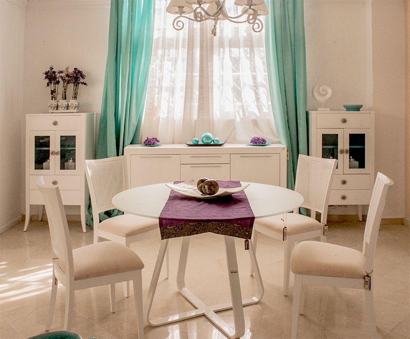 Comedor estilo #Ibiza de color blanco. http://bit.ly/1f6Eh4z ...