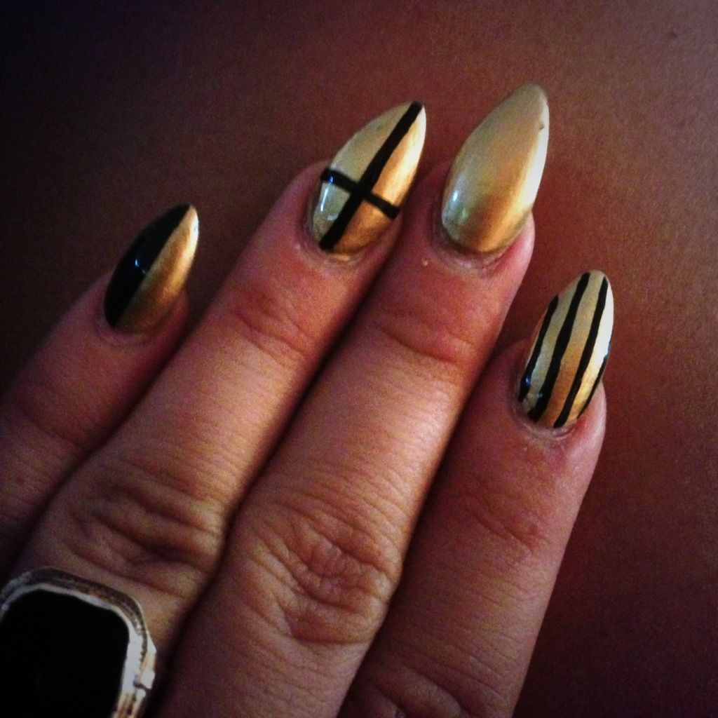 Stiletto Nails Pointy Black And Gold Stripes Cross Half
