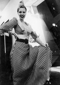 Elke Maravilha, com vestido de Clodovil – 1972., foto Cristiano Mascaro